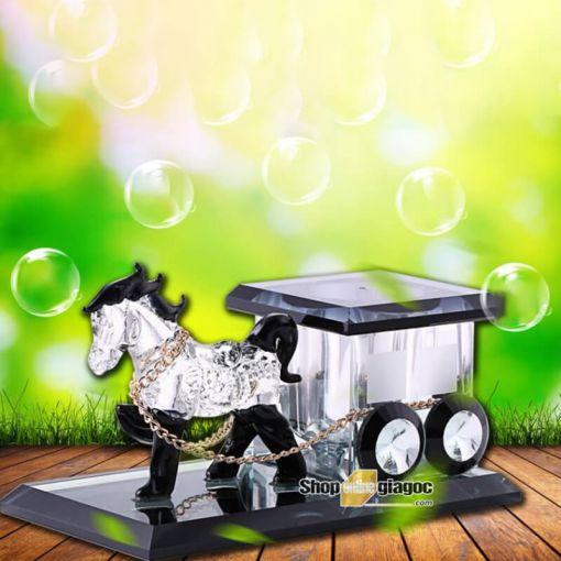 Ngựa Kéo Xe Đen